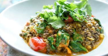 Gesunde Linsen Spinat Curry Rezept, vegan und vegetarisch