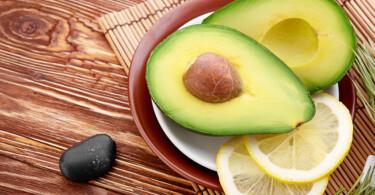 Avocado und Zitrone für Gesunde Haut durch gesunde Ernährung