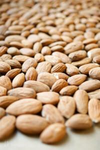Mandeln, Hautpflege durch gesunde Ernährung