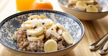 Geröstetes Buchweizen Porridge Rezept mit Bananen, Kasha-Porridge, Glutenfrei, Vegan, Gesund, Low-Fat, Elle Republic