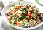 Bulgur Salat mit gerösteter Aubergine, Kichererbsen und Tomate Rezept