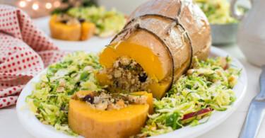 Veganes Weihnachtsrezept : Gefüllter Kürbis mit Quinoa, Grünkohl, Kichererbsen & Cranberries