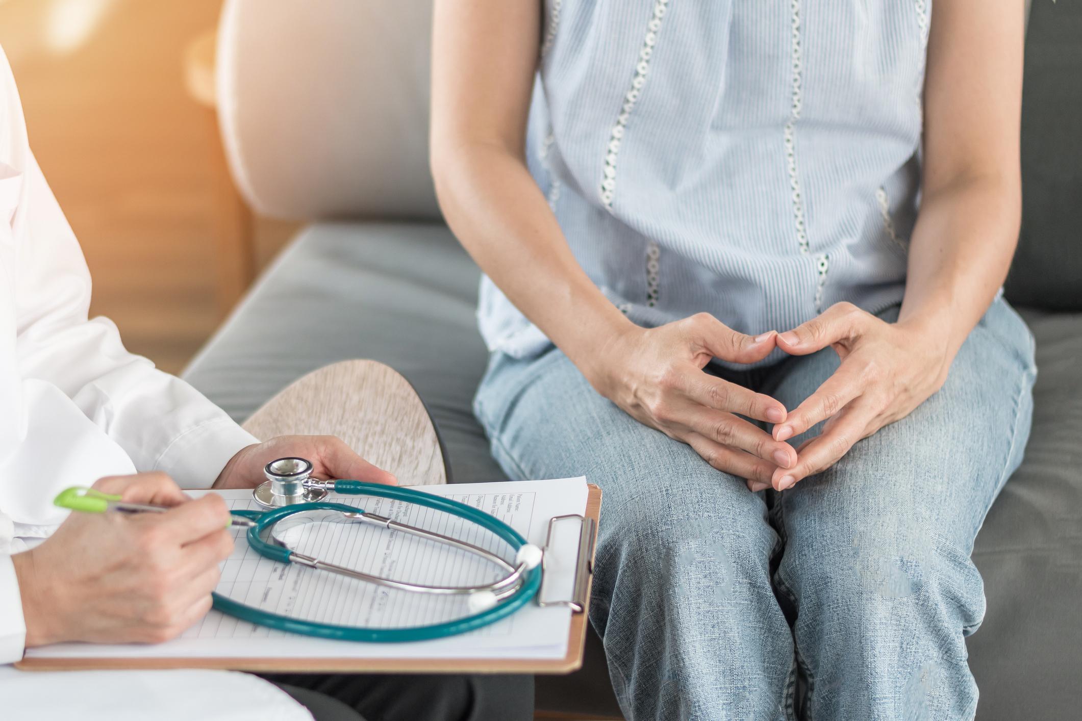 Pränataldiagnostik: Schwangere bei der Untersuchung