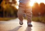 Babys erste Schritte – ein magischer und besonderer Moment