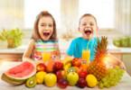 Vitamine für Kinder – zwischen Eisen, Vitamin D und Co.