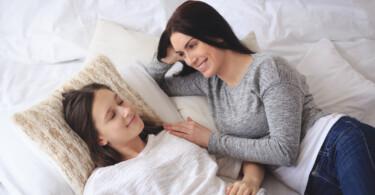 Die Periode zum ersten Mal bekommen - Mutter und Tchter sprechen über die erste Periode