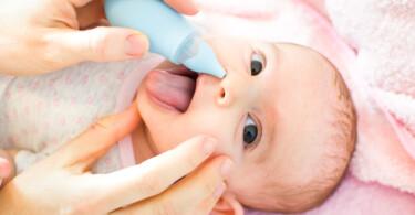 Nasensauger für Babys und Kleinkinder - Sekret absaugen bei einem Säugling