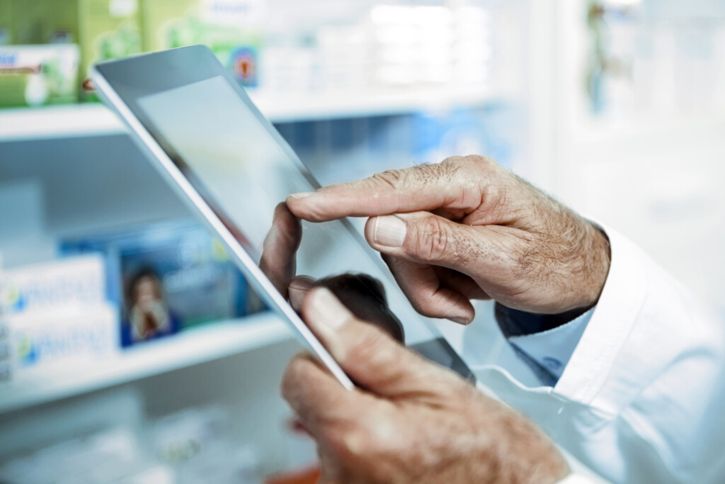 Für die sichere Übermittlung der Daten nutzen Ärzte und Apotheken die Telematik-Infrastruktur